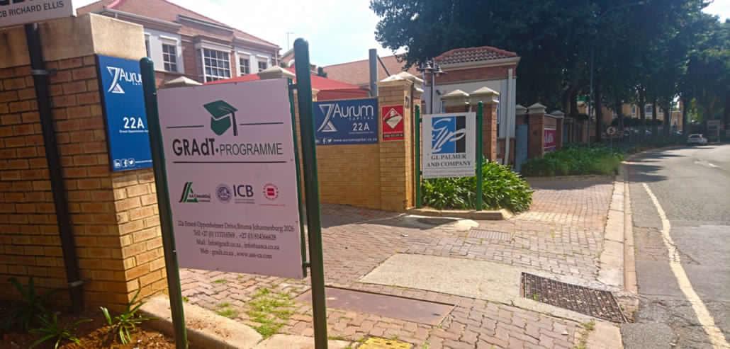 gradt-entrance-sign